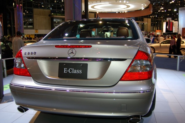 mercedes e550 rear view