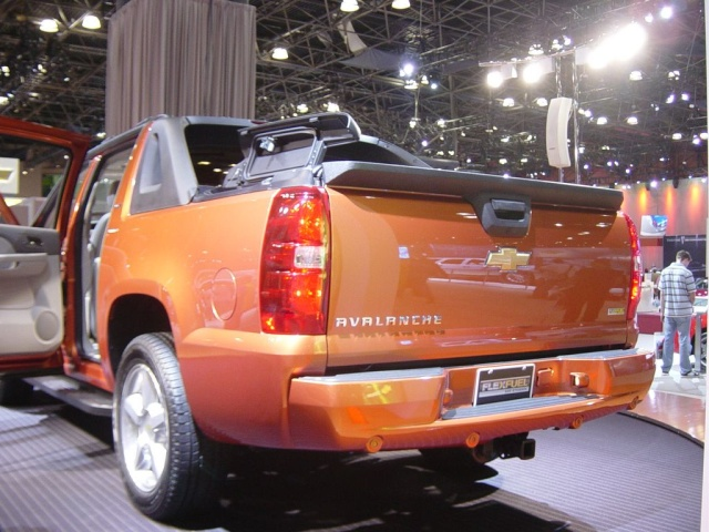 chevy avalanche rear view