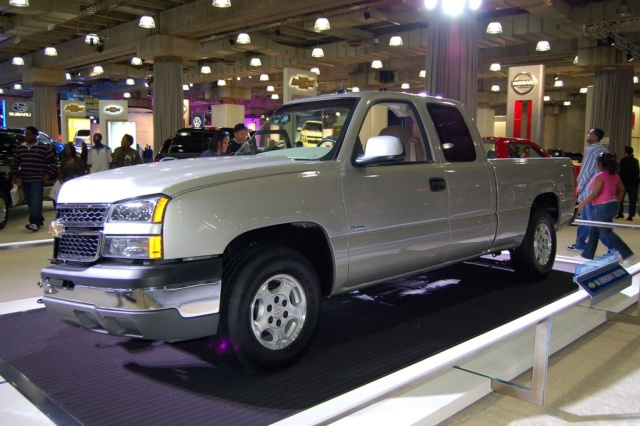 chevy hybrid pickup