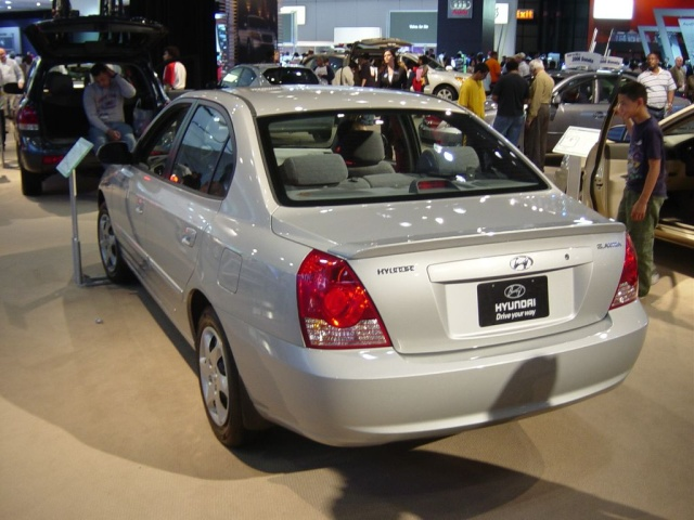 hyundai elantra rear view