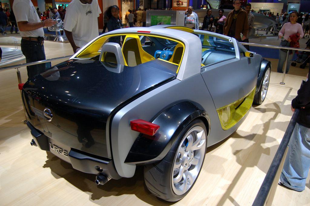 nissan urge concept car rear view