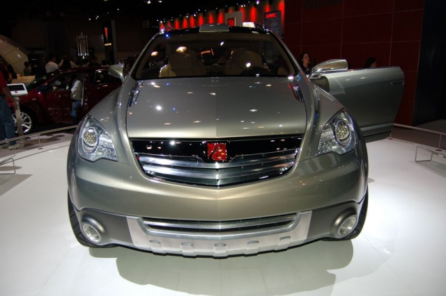 saturn crossover concept front view