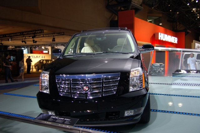 escalade front view