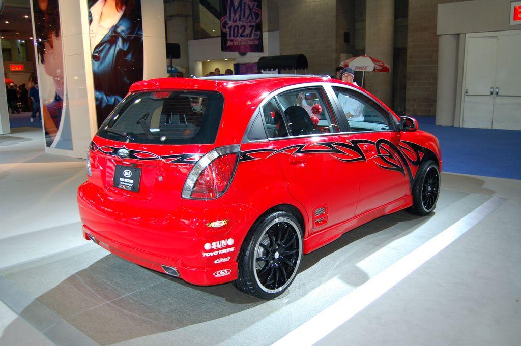 Ny Car Show >> red kia rio 5 : NY Auto Show 2006 : Car Pictures by CarJunky®