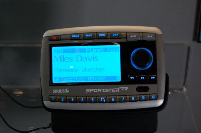 sportster r radio
