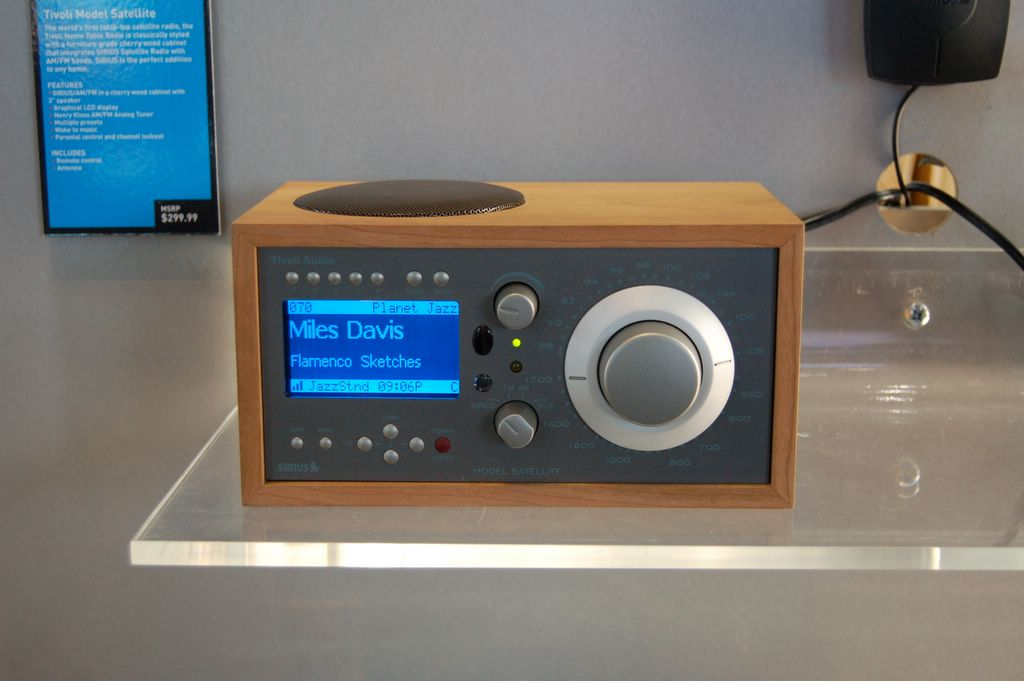 tivoli model table top satellite radio